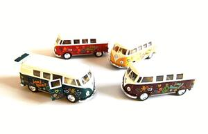 VW Buss flower power